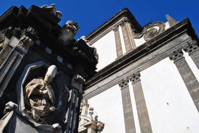 Busto di San Gennaro e Facciata di Santa Caterina a Formiello